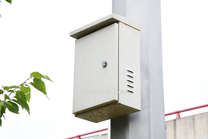 pole mounted enclosure