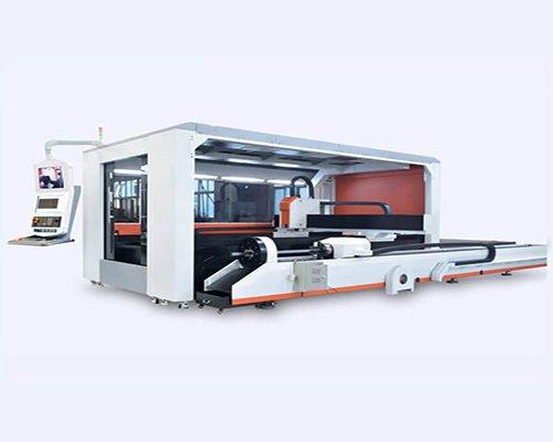 https://www.kdmsteel.com/wp-content/uploads/2019/12/Full-Closed-Fiber-Laser-Cutting-Machine.jpg