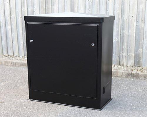 https://www.kdmsteel.com/wp-content/uploads/2019/12/Steel-Roadside-Cabinet.jpg