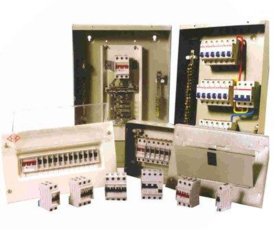 Circuit breaker enclosure