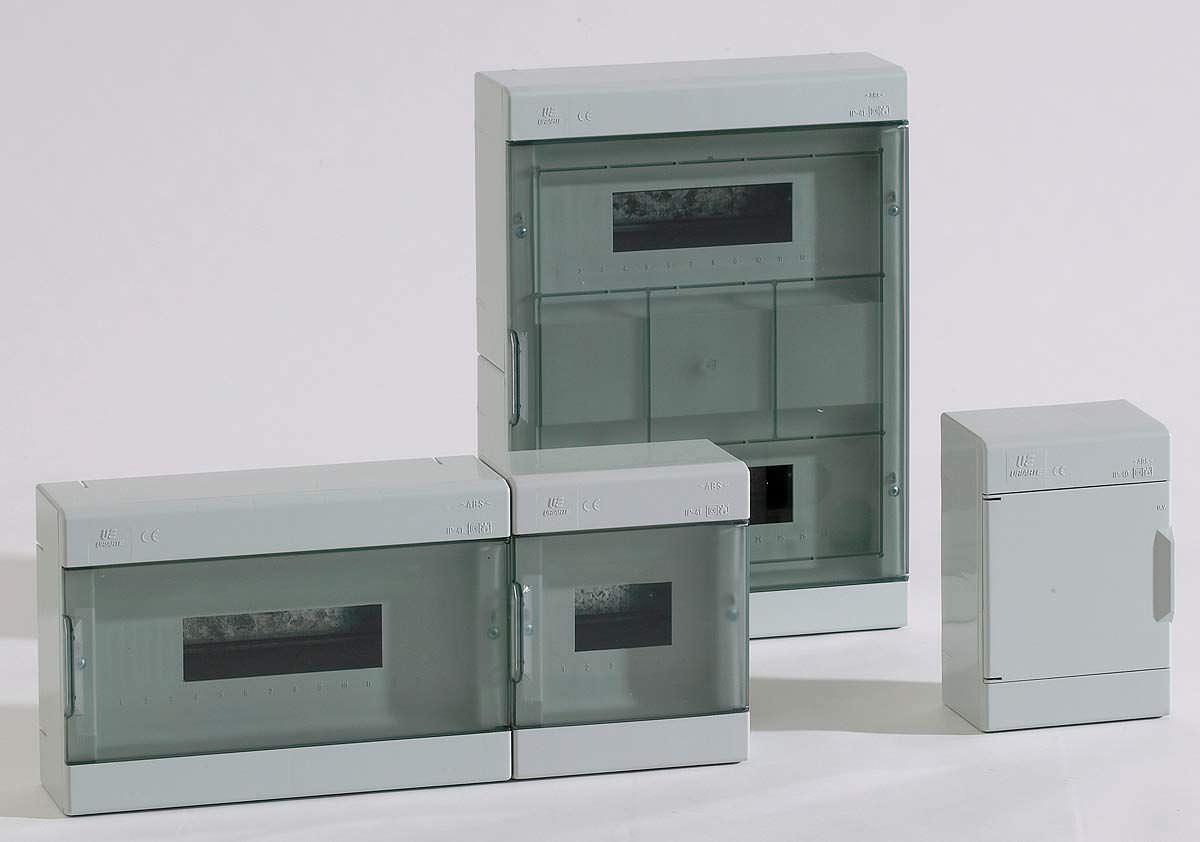 Circuit breaker electrical enclosure