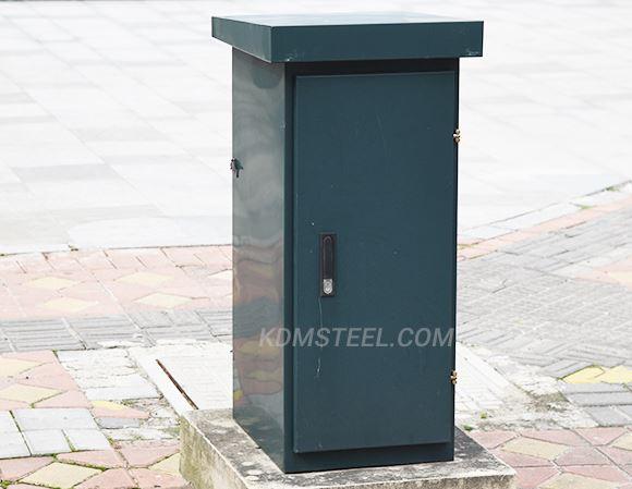 Insulated roadside electrical enclosure