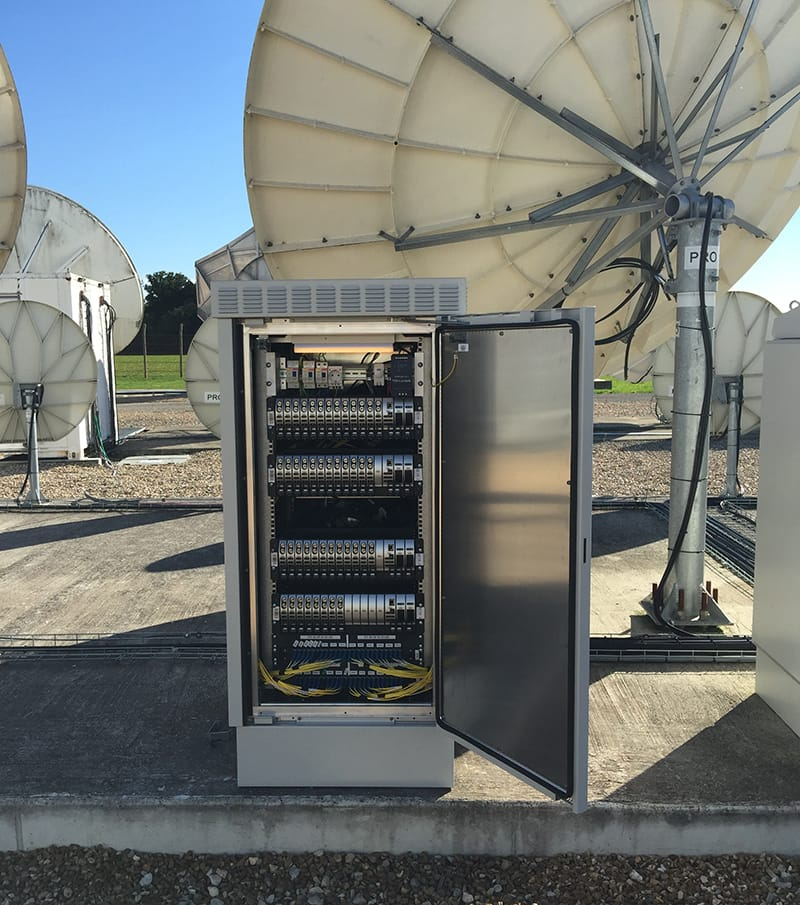 Outdoor telecommunications enclosure